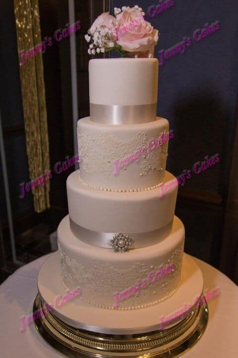 Elegant Wedding Cake with fine sugar lace detail